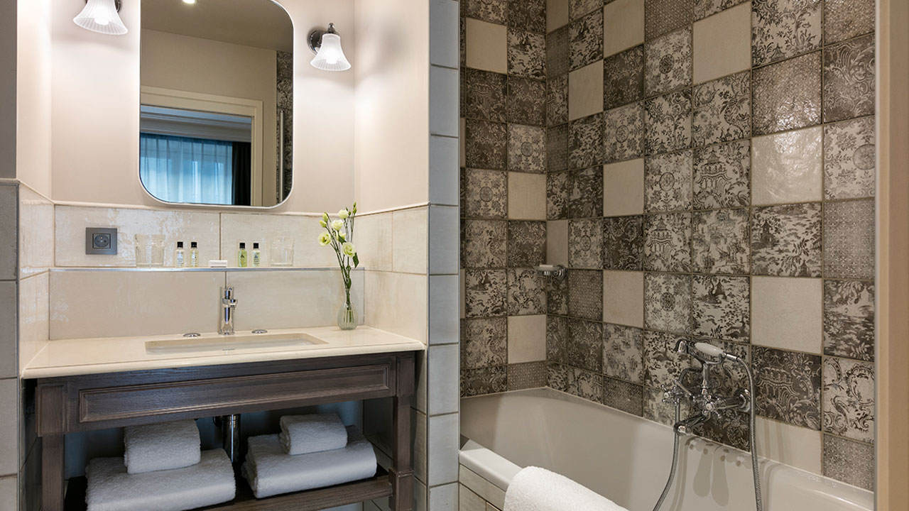 HOTEL ROYAL MADELEINE - Salle de bain