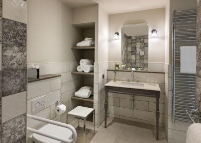 Hôtel Royal Madeleine - Salle de bain PMR
