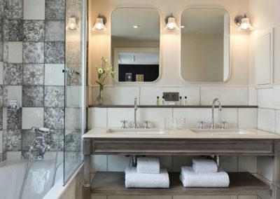 Hôtel Royal Madeleine - Salle de bain double vasque